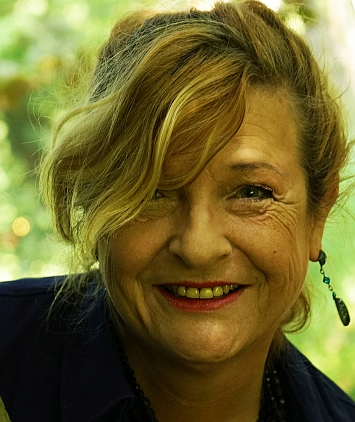Monika Stolzenberg